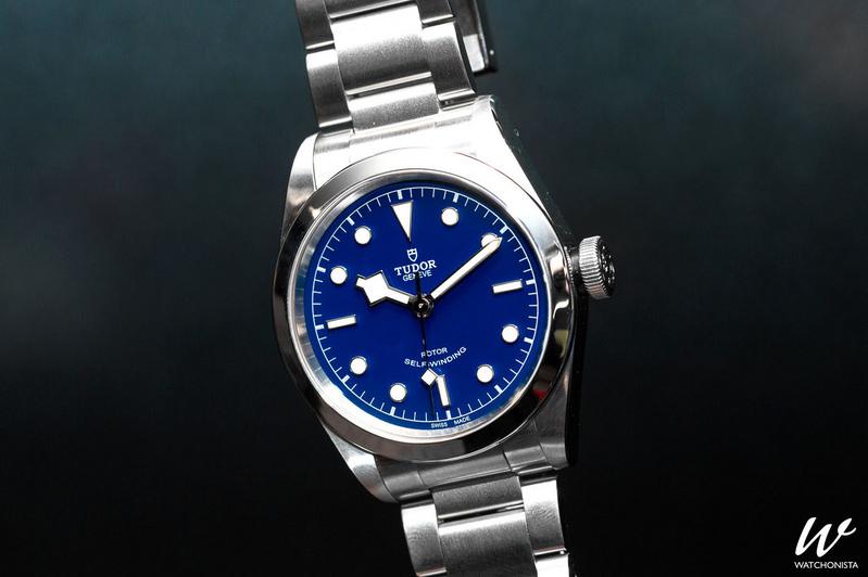 tudor-black-bay-blue-dial.jpg?itok=rmxNx