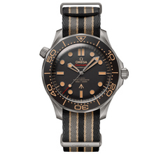 Omega Seamaster Diver 300M Omega Co-Axial Master Chronometer « 007 » Edition – 4