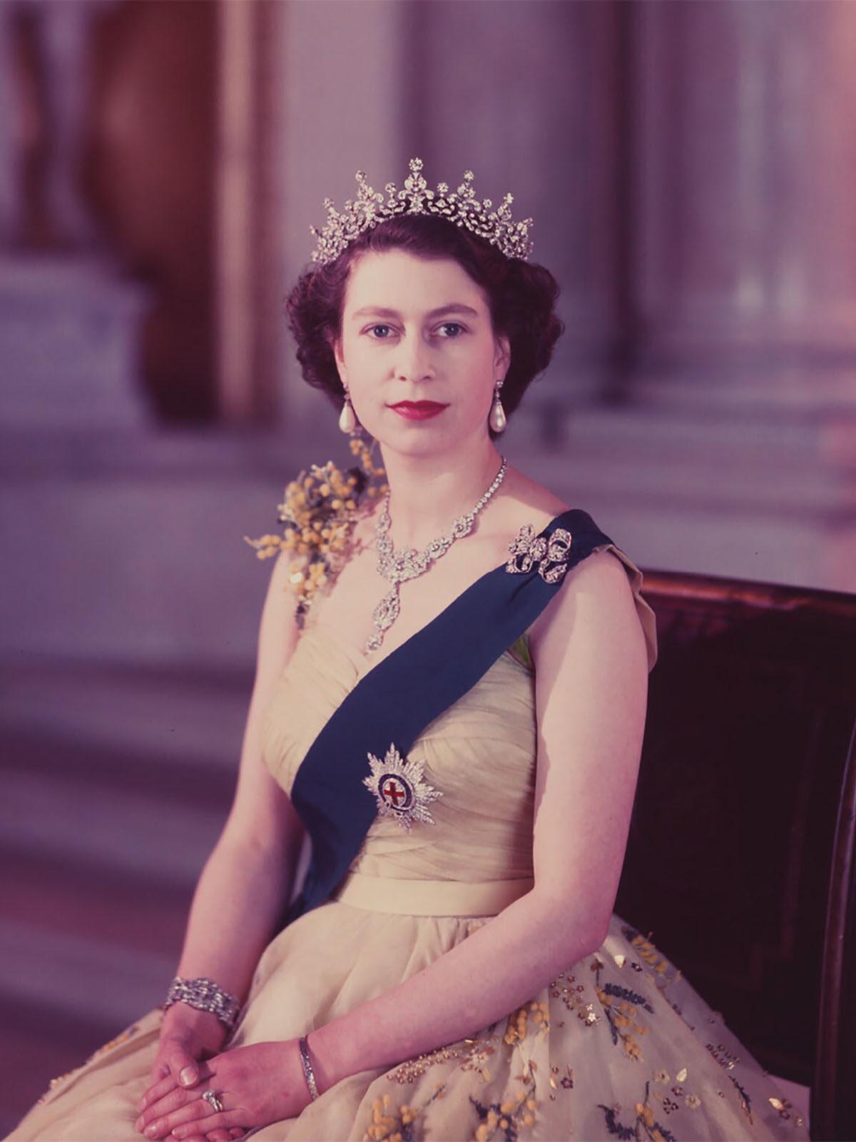 HM Queen Elizabeth II | HM Elizabeth II Queen of the