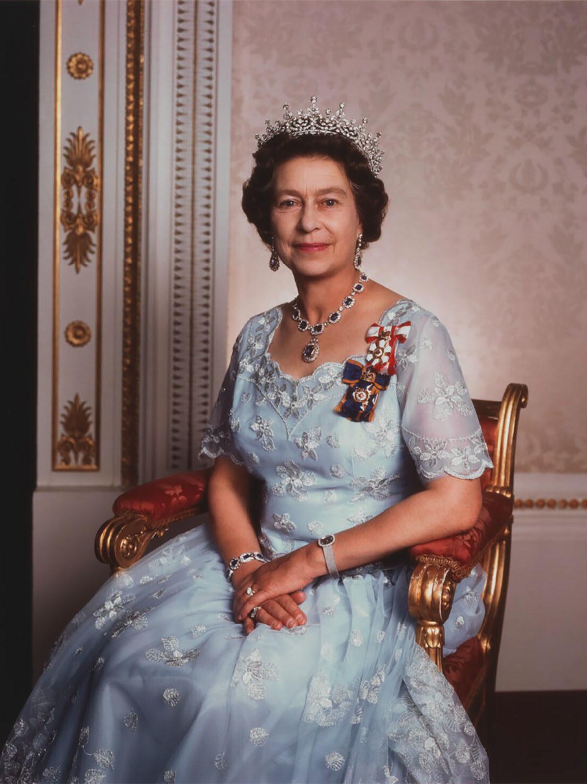 HRH Elizabeth II | Queen elizabeth tiaras, Queen and