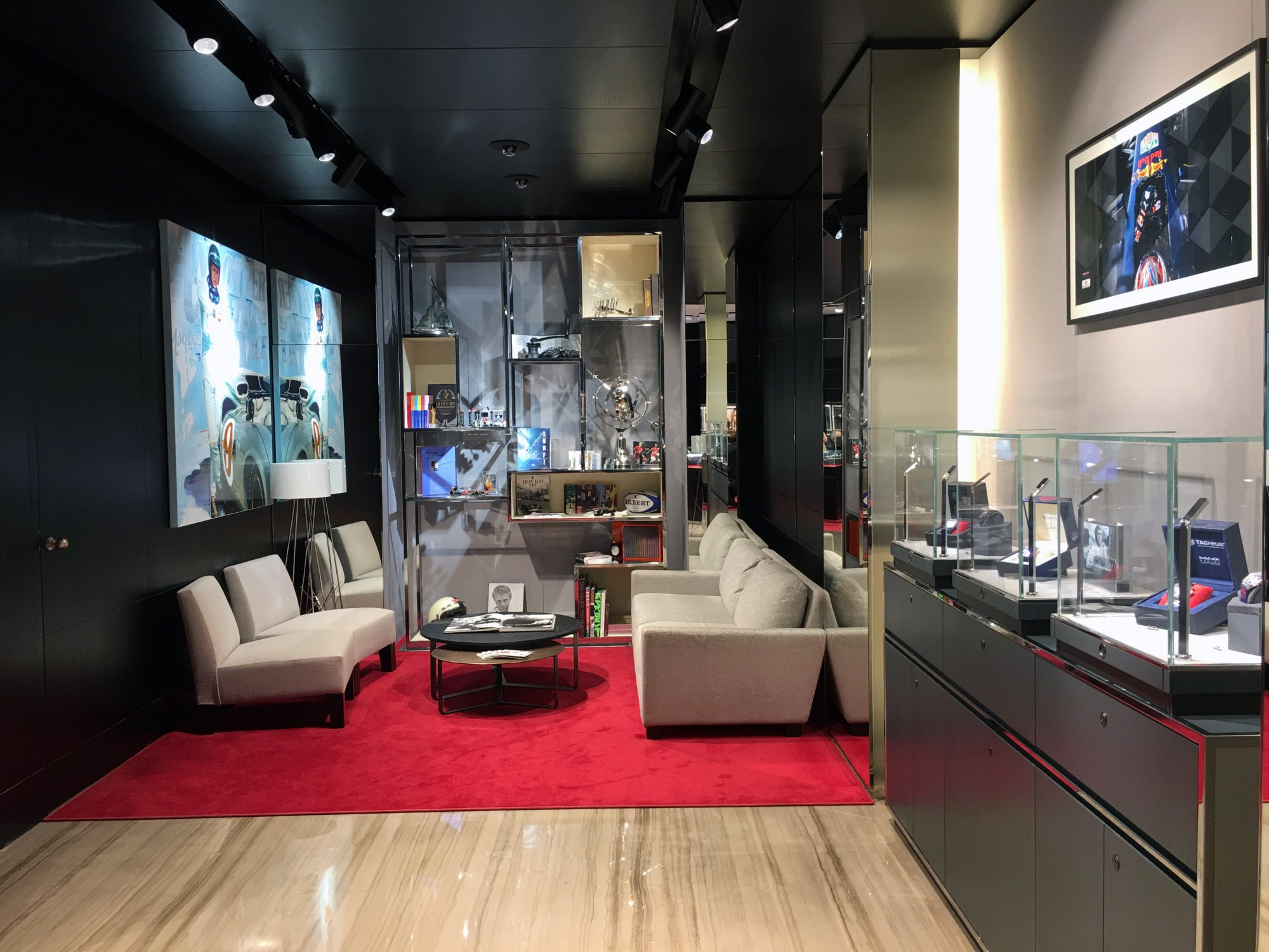 TAG Heuer adopts the concept of home staging to give its boutiques a ...